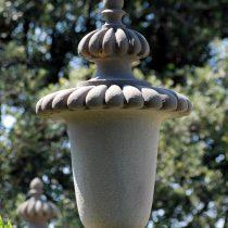 Stemmi e particolari in pietra serena di piancaldoli for Davanzali in pietra serena