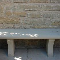 Esterni: panchina a muro