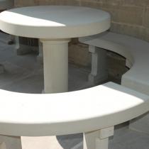 Tavolo e panche in pietra serena
