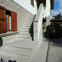 Pavimentazione scale in pietra serena