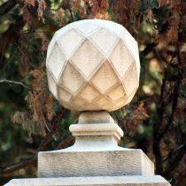Sfera decorativa in pietra serena
